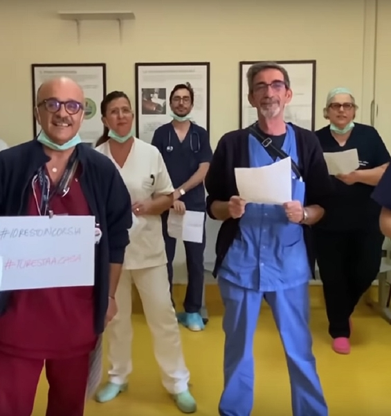 "Doctors sing their ""canto libero"" against Coronavirus"
