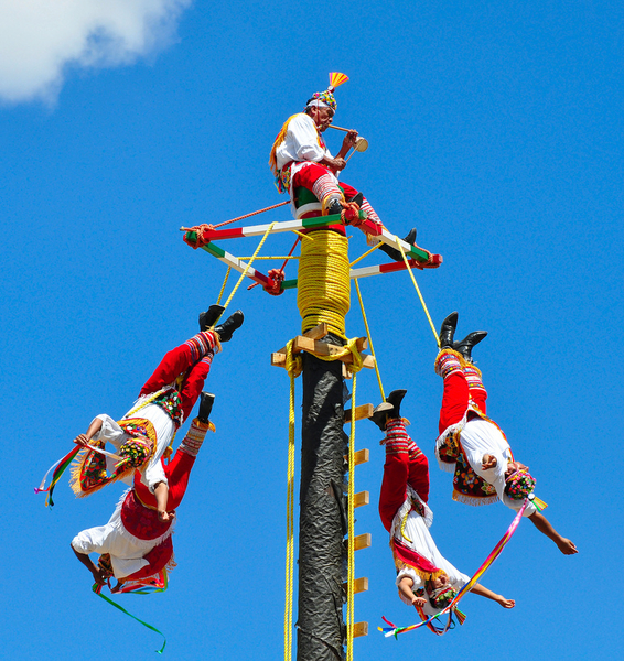 The Voladores of Cuetzalan in Rome